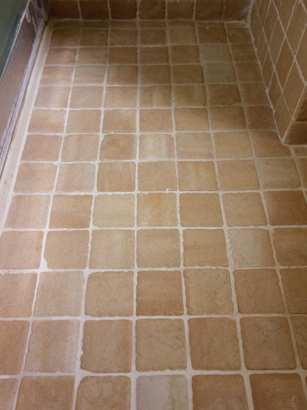 Cleaning-Grout-baking-soda