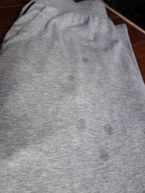 Remove grease stains from clothing curious nut for Oil stain in shirt