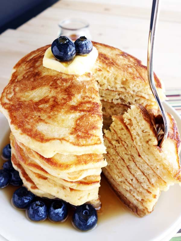These yogurt pancakes are to die for! They're soft, fluffy, light and super delicious.