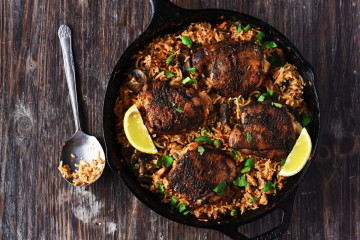 One Pan Spanish Rice & Chicken - Chicken marinated in a delicious rub is seared beautifully & rice infused with so much flavor, so delicious that you won't stop eating.
