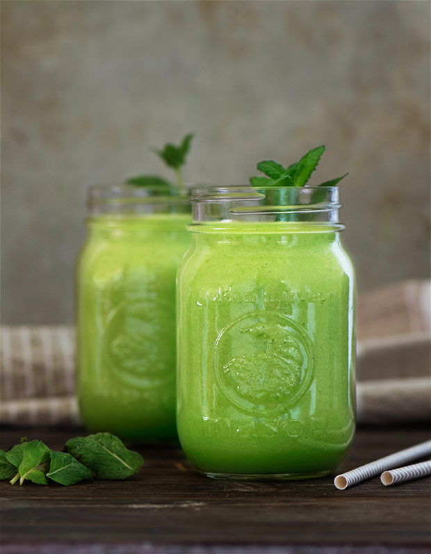 Delicious green smoothie made from green apples, cucumber & celery. Fills you up yet keeps you feeling light. It's healthy & good for you.