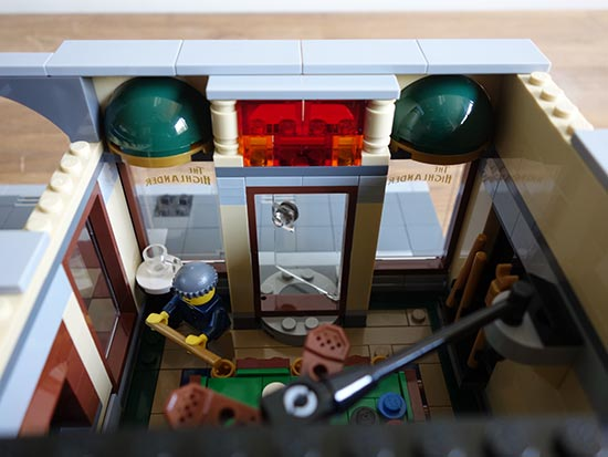 Lego Detective's Office (11)