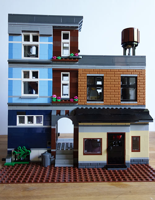 Lego-Detective's-Office-Part-4-(11)