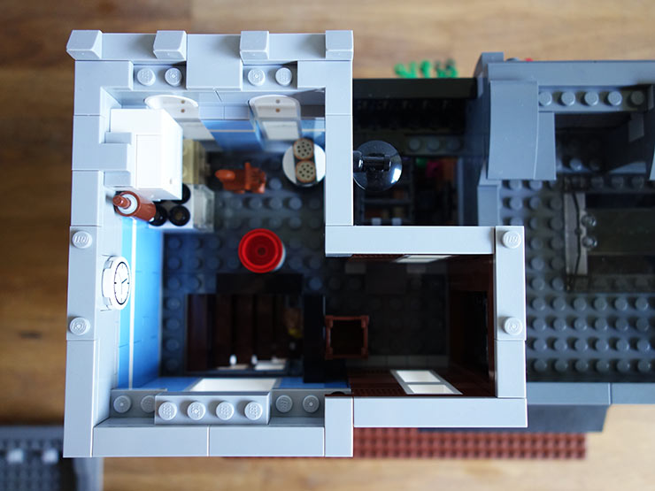 Lego-Detective's-Office-Part-4-(4)